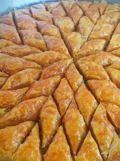 Greek Sweets, Greek Desserts, Greek Recipes, Christmas Desserts, Cinnamon Rolls, Sweet Tooth, Bacon, Dessert Recipes, Breakfast