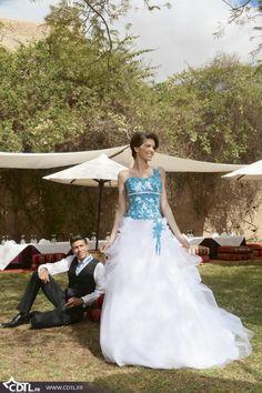 Robes de mariée en couleurs turquoise