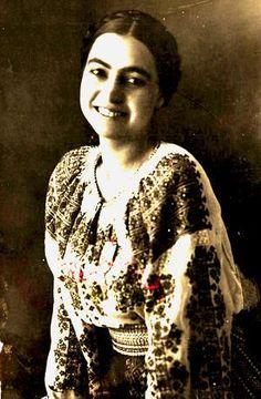Smaranda Brăescu.