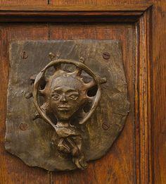 SMA Door Knocker Walking around San Miguel de Allende. A person could run tours of doors and their knockers alone. These samples barely scratch the surface of the variety. Door Knockers Unique, Door Knobs And Knockers, Knobs And Handles, Door Handles, Cool Doors, Unique Doors, Door Detail, Gates, Door Accessories