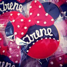 Biscotti decorati per festeggiare Irene una piccola fan di Minnie