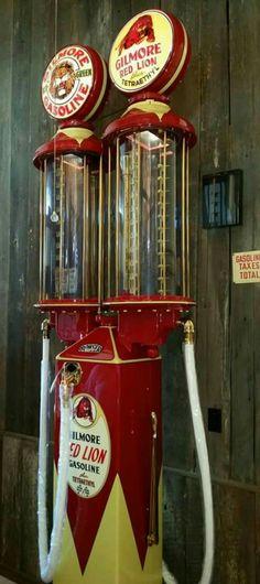 Rare Restored Original Bowser Dual Gas Pump - Gilmore Gasoline Vintage Advertising Signs, Vintage Advertisements, Vintage Signs, Old Gas Pumps, Vintage Gas Pumps, Pompe A Essence, Soda Machines, Collection Displays, Gas Service
