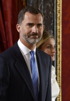 Spanish Queen Letizia (R) and Spanish King Felipe VI arrive before a lunch with Panama's President Juan Carlos Varela and first lady Lorena Castillo de Varela at the Royal Palace in Madrid on 08.09.2014.