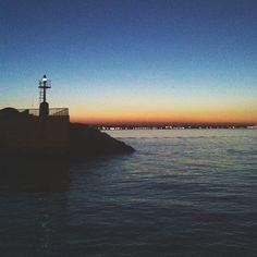 Il tramonto dalla punta del molo di #Rimini - Instagram by @silvia