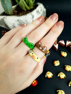 Crochet Frog, Diy Clay Earrings, Polymer Clay Ring, Dollhouse Ideas, Indie Kids, Clay Projects, Random, Crafts, Jewelry