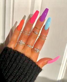 How to choose your fake nails? - My Nails Aycrlic Nails, Neon Nails, Swag Nails, Rainbow Nails, Bright Nails Neon, Bright Nails For Summer, Neon Nail Colors, Neon Orange Nails, Pointy Nails