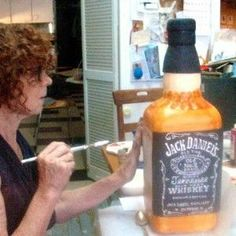 Jack Daniel's cake with bottle inside, making this for Kyle's birthday! 3d Cakes, Cupcake Cakes, Jack Daniels Cake, Fondant Cake Tutorial, Alcohol Cake, Bottle Cake, Whisky, Different Cakes, Occasion Cakes