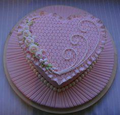 Smocking Cake..... Stunningly Beautiful    By: Zohreh