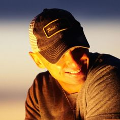 That's my guy :) Country Music Artists, Country Singers, Country Concerts, Music Mix, New Music, Kenney Chesney, No Shoes Nation, Dream Guy, My Favorite Music