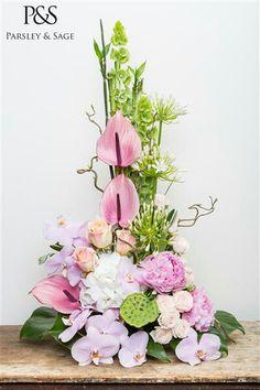 Parsley And Sage Modern Floral Arrangements, Church Flower Arrangements, Beautiful Flower Arrangements, Unique Flowers, Amazing Flowers, Paper Flower Garlands, Flower Decorations, Ikebana, Corporate Flowers