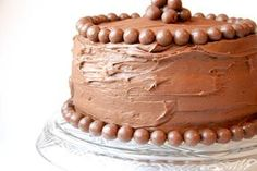 Bakergirl: Chocolate Malt Cake.  Another malted milk ball cake.  These would be perfect for my dad's birthday!