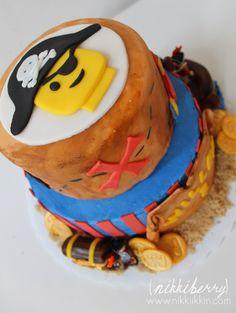 nikkiikkin lego pirate cake 4