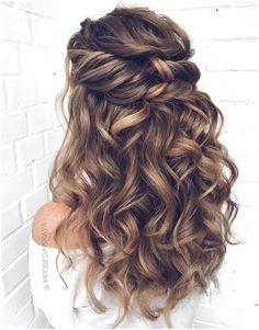 Braided Prom Hair, Curly Wedding Hair, Long Curly Hair, Bridal Hair, Formal Hairstyles For Long Hair, Bride Hairstyles, Simple Curled Hairstyles, Hairstyles For Long Dresses, Long Formal Hair