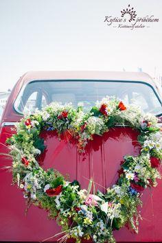 Bouquet on a red wedding car Wedding Car, Red Wedding, Weeding, Heart Shapes, Floral Wreath, Bouquet, Wreaths, Bride, Flowers