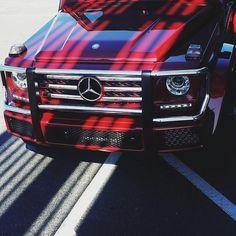 DRIVING BENZES — Mercedes-Benz G 550 (Instagram @benzblogger)