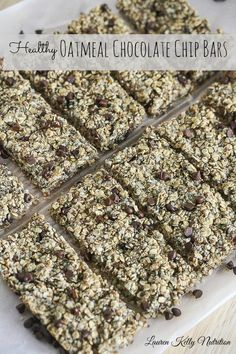These Healthy Oatmeal Chocolate Chip Bars are packed with protein and fiber! They take minutes to prepare! #vegan #glutenfree #dairyfree Healthy Lunches For Kids, Healthy Recipes On A Budget, Fun Easy Recipes, Healthy Foods To Eat, Clean Eating Recipes, Healthy Cooking, Sweet Recipes, Whole Food Recipes, Vegan Recipes