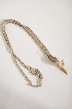 shark tooth Total Recall Vintage necklace