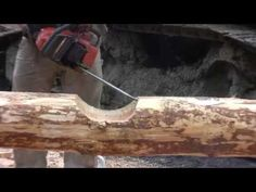▶ How to Notch a Log for Building a Log Home or Log Cabin Saddle Scribe Style - Shaun Brender video How To Build A Log Cabin, Small Log Cabin, Tiny House Cabin, Log Cabin Homes, Getaway Cabins, Lake Cabins, Timber Logs, Cabin Kits, Rustic Cabin Decor