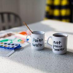 «Вода для красок» и «не вода для красок» — идеальный набор для художников, которые любят пить чай за работой. 😂  #kalachevaschool