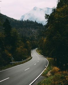 Road to the weekend! It's just around the bend, what are your plans? 😉  @earthgrammers ↟ #ExploreOurEarth . . . #Berchtesgaden #deinbayern #visitbavaria #wanderout #discover_vacations #travelingourplanet #beautifuldestinations #earth_deluxe #earthfocus #earthpix #fantastic_earth #exploringtheglobe #exploringglobe #folkscenery #folkgood #folkvibe #folkcreative #tourtheplanet #lifefolktakeover #travlink #discover_earthpix #eclectic_shotz #vzcomood #rural_love #main_vision #campingofficial…