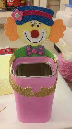 משלוח מנות - ליצן Clown Crafts, Fun Crafts, Diy And Crafts, Crafts For Kids, Clown Party, Butterfly Template, Spring Art, Preschool Art, Working With Children