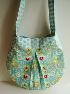 Love this bag and the fabric combo is perfect!