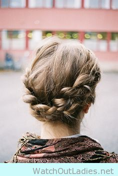 I'm trying this braid crown for winter season - watchoutladies.net