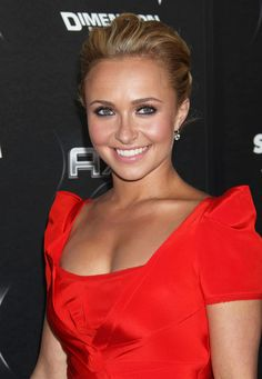 Hayden Panettiere. ugh love the dress.