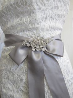 crystal brooches for wedding dresses
