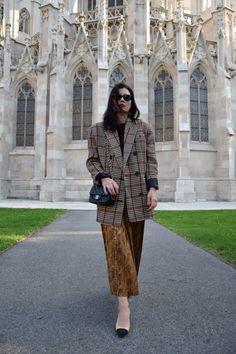 naatasaa: Musterspiel #naatasaa #fashionblogger #travelblogger Harem Pants, Fashion, Moda, Harem Trousers, Fashion Styles, Harlem Pants, Fashion Illustrations