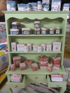 Nostalgie in 1 zu 12 - wahnsinnig schöne Miniaturen fürs Puppenhaus zum Kaufen und Selbermachen!