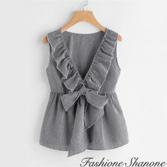 Diy Clothes, Fashion Clothes, Fashion Outfits, Blouse Styles, Blouse Designs, Hijab Stile, Baby Girl Dresses, Latest Fashion For Women, Blouses For Women