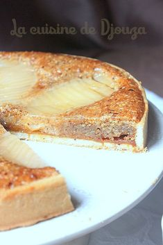 Pear pie and salted butter caramel Pear Pie, Pear Tart, New Recipes For Dinner, Gluten Free Recipes For Dinner, Apple Recipes, Sweet Recipes, Desert Recipes, Food Dishes, Deserts