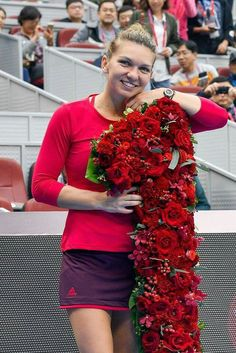 Romania's Simona Halep becomes the player in history of the WTA, and first from her country, to rise to the ranking. Simona Halep, Romanian Flag, Romanian People, Tennis World, Tennis Stars, Rafael Nadal, Celebrity Beauty, Sports Stars, Roger Federer