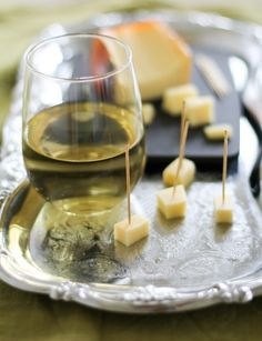 There are a few basic rules that you can follow to make your next wine and cheese tasting perfect. Julia Mueller with a 101.