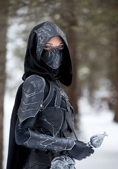 Cosplay Ideas Beebichu's Costume Creations: How to make Skyrim armor: Nightingale set with bow and sword Skyrim Cosplay, Anime Cosplay, Female Cosplay, Cosplay Girls, Fantasy Armor, Fantasy Dress, Final Fantasy, Nightingale Armor, Style Steampunk