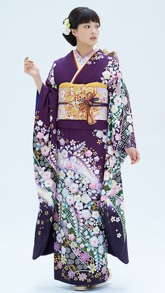 Another kimono furisode Traditional Kimono, Traditional Fashion, Traditional Dresses, Japanese Costume, Japanese Kimono, Japanese Outfits, Japanese Fashion, Orientation Outfit, Furisode Kimono