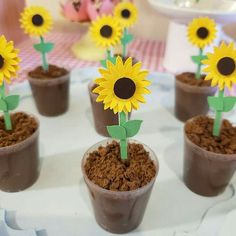 Sunflower Birthday Parties, Sunflower Party, Sunflower Crafts, 1st Birthday Girls, 1st Birthday Parties, Sunflower Baby Showers, Forest Baby Showers, Bee Party, Birthday Decorations