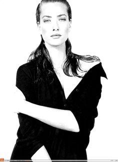 Vogue IT - Che tipo di maglietta nera - Tatiana Patitz - May 1987