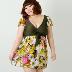 Was looking for a sleeved Swimsuit, who knew I would find one in China. :o) Bathing suit Women 2xl 3xl 4xl swimwear skirt plus size onepiece swimsuit loose short sleeve beachwear swimming dress-inOne Piece...