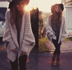 Cozy Days. I Want That Sweater!
