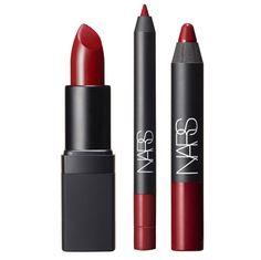 Kit pour les lèvres rouge Magnificent Obsession avec un rouge à lèvres Flamenco, un crayon à lèvres Mysterious Red et un crayon contours des lèvres Misdemeanor, 39€, NARS Steven Klein