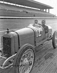 Race car on old Indy Board Track. LOOK Ma - no brakes on this thing… Indy Car Racing, Indy Cars, Vintage Sports Cars, Vintage Race Car, Classic Motors, Classic Cars, Racing Helmets, Old Race Cars, Car And Driver