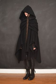 Winter is Coming – Bewitching Capes, Coats, Cloaks, and Cardigans Garment Manufacturing, Long Cape, Black Cape, Cape Coat, Character Outfits, Unisex Fashion, Capsule Wardrobe, Pure Products, My Style