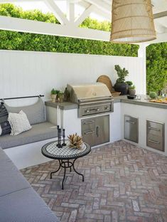 38 Absolutely fantastic outdoor kitchen ideas for restaurants .- 38 Absolutely Fantastic Outdoor Kitchen Ideas For Outdoor Dining – # Outdoor Kitchen Patio, Outdoor Kitchen Design, Patio Design, Backyard Patio, Outdoor Dining, Outdoor Decor, Garden Design, Outdoor Kitchen Cabinets, Kitchen Counters