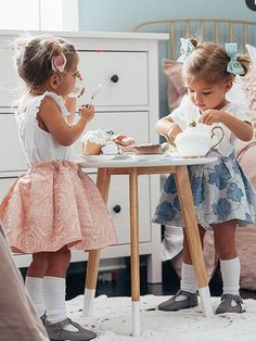 Cute Baby Twins, Twin Baby Girls, Twin Babies, Cute Little Girls, Twin Outfits, Family Outfits, Toddler Outfits, Beautiful Children, Beautiful Babies