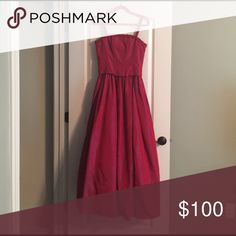 ⭐️Sale⭐️Gorgeous Jessica McClintock Dress!!! Gorgeous Jessica McClintock Dress!!! Stunner!!! Like New!!! Nordstrom Exclusive!!! Color is red pink iridescent!!! Unique & Beautiful!!! Jessica McClintock Dresses