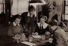 Botanical Illustration ...Adorable  Vintage Photos « The Sartorialist