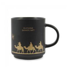 En nydelig kopp i keramikk med matt overflate og teksten – «en stjerne skinner i natt» Høyde 8,5cm Diameter 7,5cm.