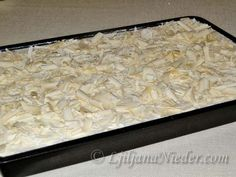 Pavlova, Coconut Flakes, Spices, Food And Drink, Recipes, Bakken, Spice, Recipies, Ripped Recipes